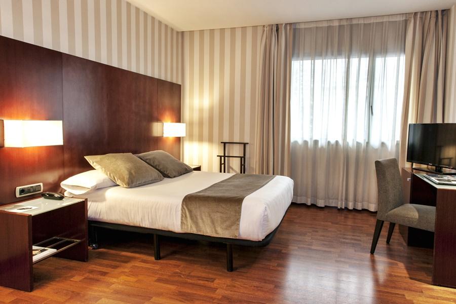 ZENIT BARCELONA - Hotel cerca del Restaurante Hare Krishna Govinda