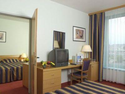 Holiday Inn Budapest-budaors