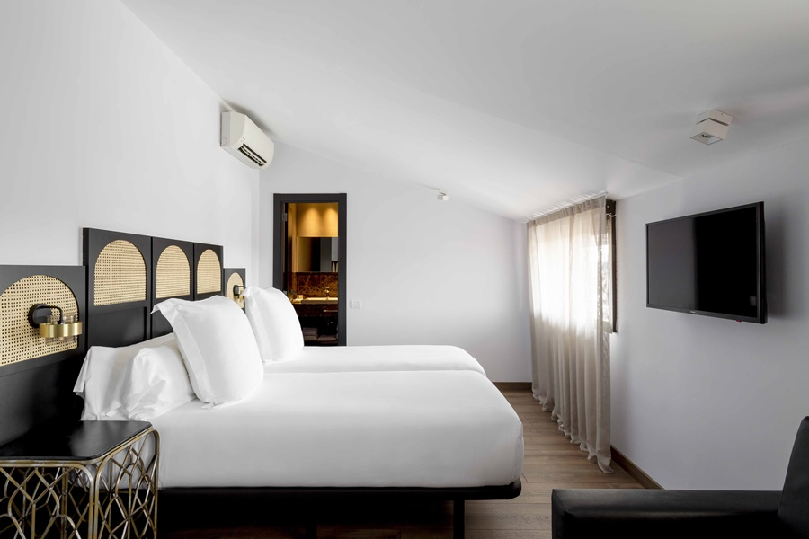 ASTORIA - Hotel cerca del Restaurante Zarabanda