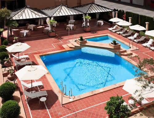 SARAY - Hotel cerca del Estadio de Los Cármenes