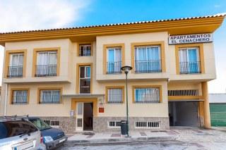 APARTAMENTOS EL CENACHERO - Hotel cerca del Feria de Málaga