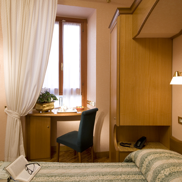 http://www.hotelresb2b.com/images/hoteles/202478_foto1_GH-single.jpg3