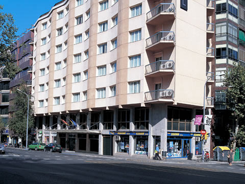 http://www.hotelresb2b.com/images/hoteles/207670_fotpe1_1_FACHADA.jpg