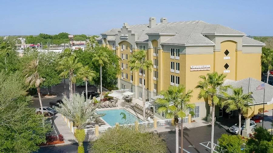Galleria Palms Hotel