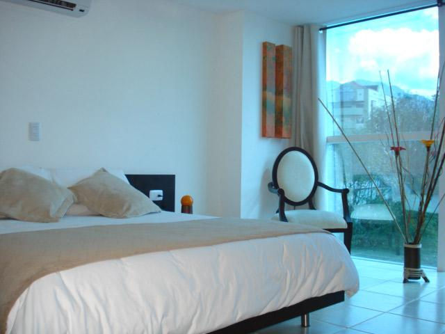 http://www.hotelresb2b.com/images/hoteles/215279_foto1_HABITACION3OK1.JPG