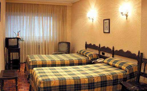 hotel zamora en mendoza: