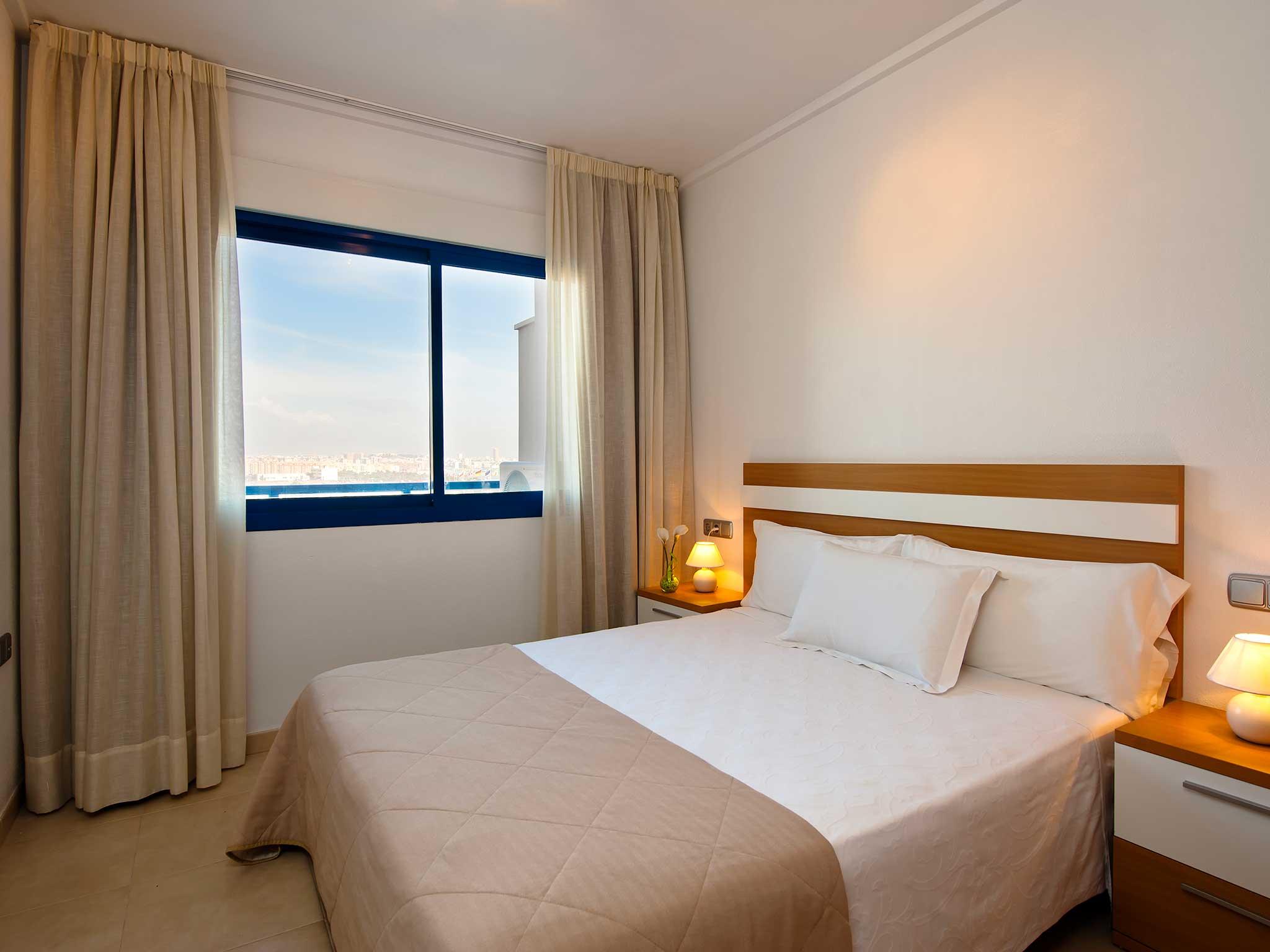 EXE ALICANTE HILLS - Hotel cerca del Aeropuerto de Alicante El Altet