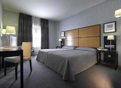 MACIA REAL DE LA ALHAMBRA EXCLUSIVE - Hotel cerca del Estadio de Los Cármenes