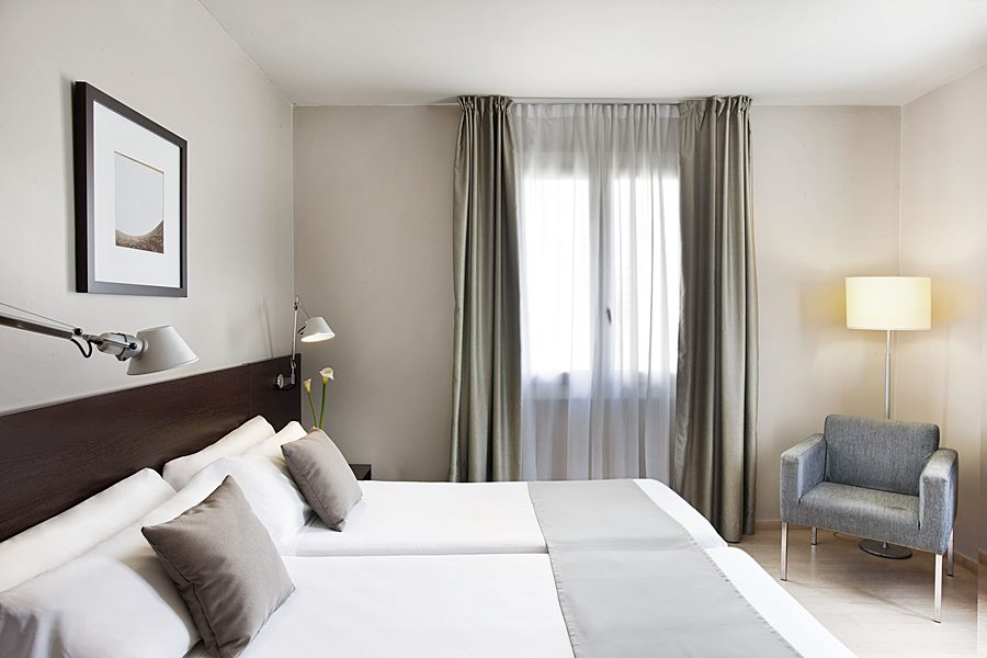 PRISMA BARCELONA - Hotel cerca del Restaurante Hare Krishna Govinda
