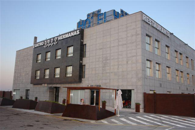 CUATRO HERMANAS - Hotel cerca del Estación  de Sagunto