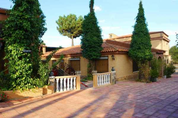HOTEL LA VILLA DON QUIJOTE - Hotel cerca del Villar de Olalla Golf