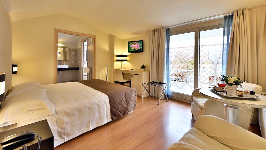 Hotel Regal Residence