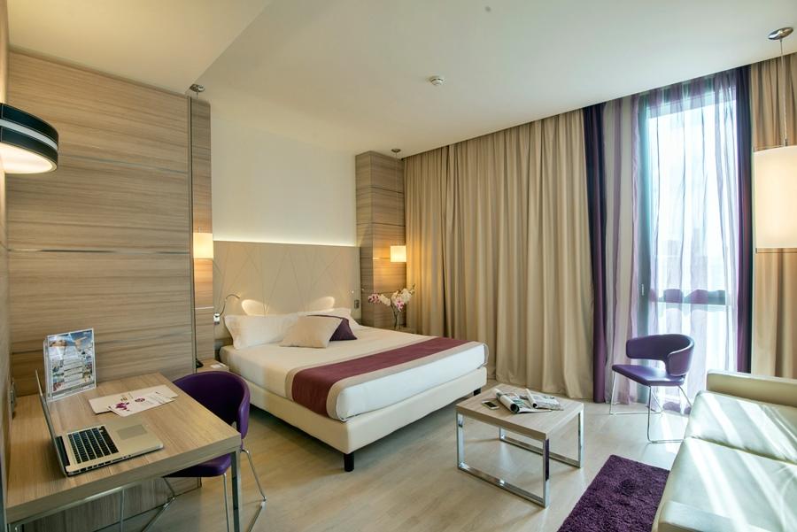 Hoteles limbiate hotusa hoteles en limbiate for Piscina limbiate