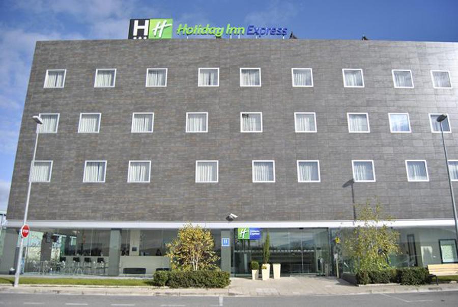 HOLIDAY INN EXPRESS PAMPLONA - Hotel cerca del Estadio Reyno de Navarra