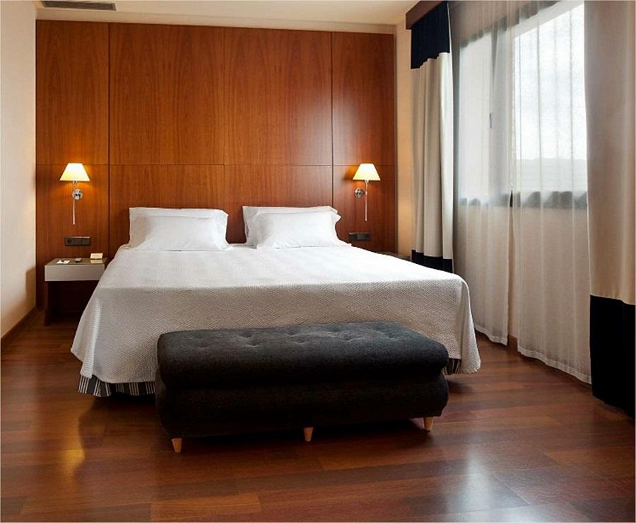 NH SEVILLA VIAPOL - Hotel cerca del Mesón Zurrutraque