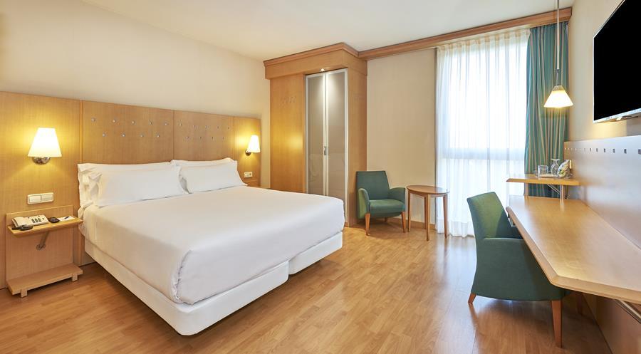 NH PORTA BARCELONA  - Hotel cerca del Restaurante Panorámico Evo