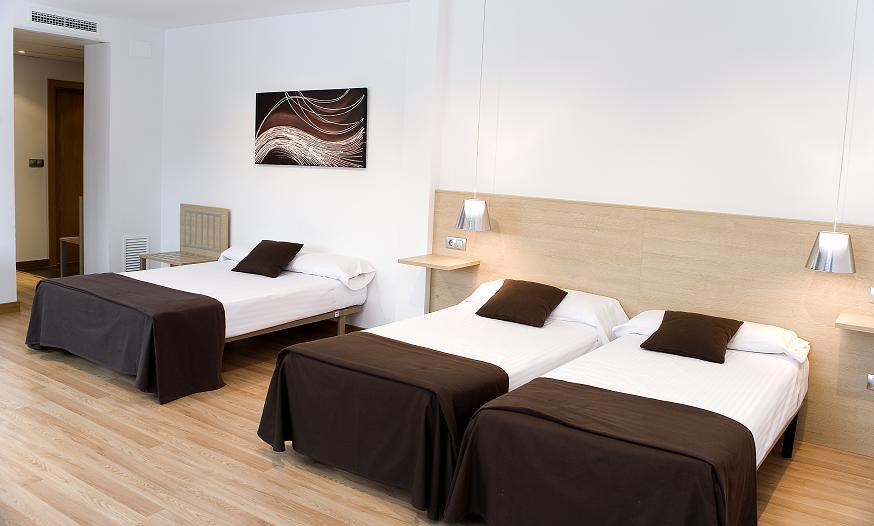 HOTEL CADOSA - Hotel cerca del Estadio Los Pajaritos