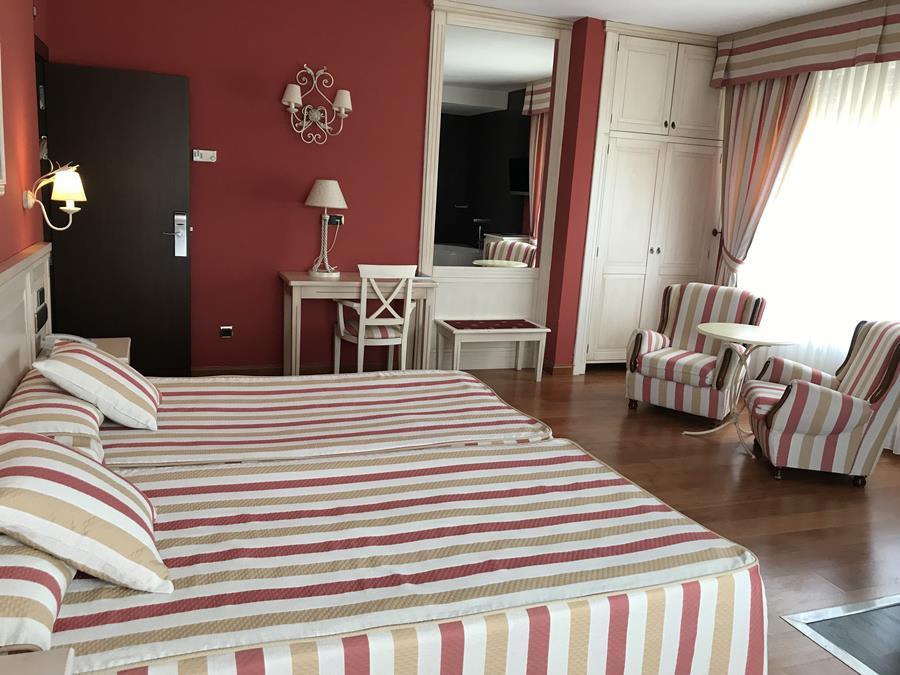 HOTEL LEONOR MIRON - Hotel cerca del Estadio Los Pajaritos