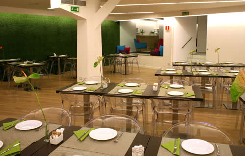 Dormir en Aparthotel Aptosuite Jardines De Sabatini en Madrid