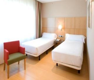 HOTEL FERIA - Hotel cerca del Club de campo La Galera
