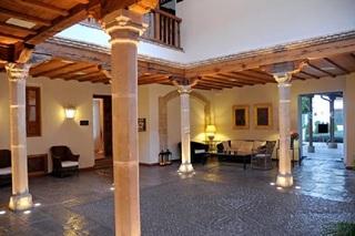 PUERTA DE LA LUNA - Hotel cerca del Club de Golf La Garza