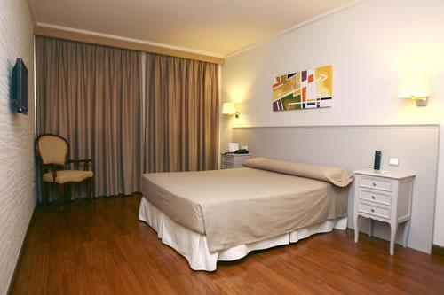 Hotel Universidad thumb-2