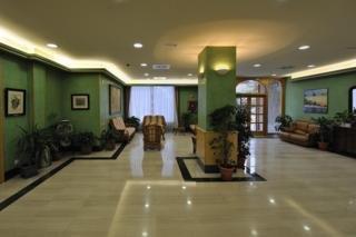 PINEDA PARK - Hotel cerca del Jardines del Milagro
