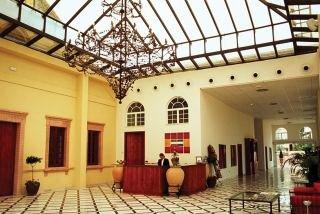 VITA PALMERA PLAZA - Hotel cerca del Clínica Serman