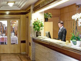 VP JARDIN DE TRES CANTOS - Hotel cerca del Casino de Juego de Torrelodones