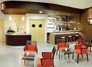 HOTEL PAMPLONA CROSS ELORZ - Hotel cerca del Aeropuerto de Pamplona Noáin