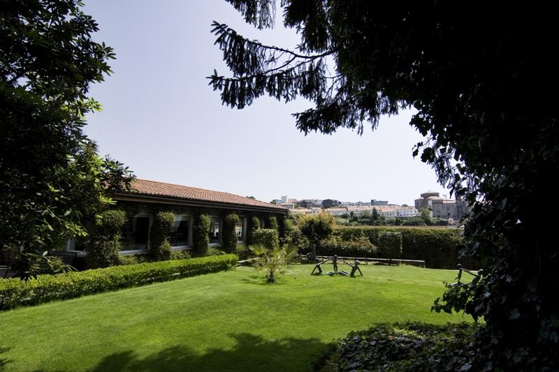DOMUS SELECTA VIRXE DA CERCA - Hotel cerca del Aeropuerto de Santiago de Compostela Lavacolla