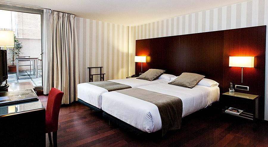 ZENIT BORRELL - Hotel cerca del Creperia Bretonne Balmes