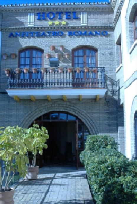 hotel en sevilla este: