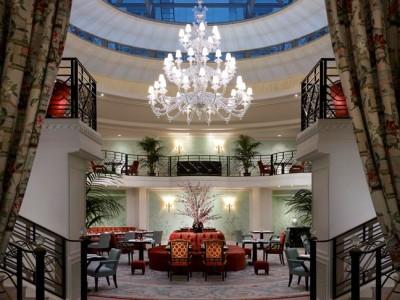 Hotel Shangri-La (Deluxe)