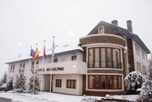 MATAELPINO - Hotel cerca del Estación de Esquí de Valdesquí