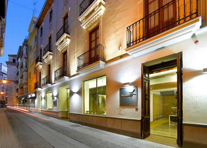 PARRAGA SIETE - Hotel cerca del Estadio de Los Cármenes