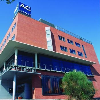 AC HOTEL. GUADALAJARA - Hotel cerca del Plaza de Toros de Guadalajara