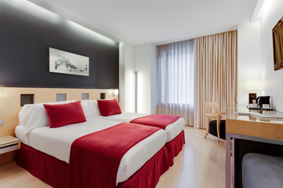 AYRE HOTEL CASPE - Hotel cerca del Restaurante Hare Krishna Govinda