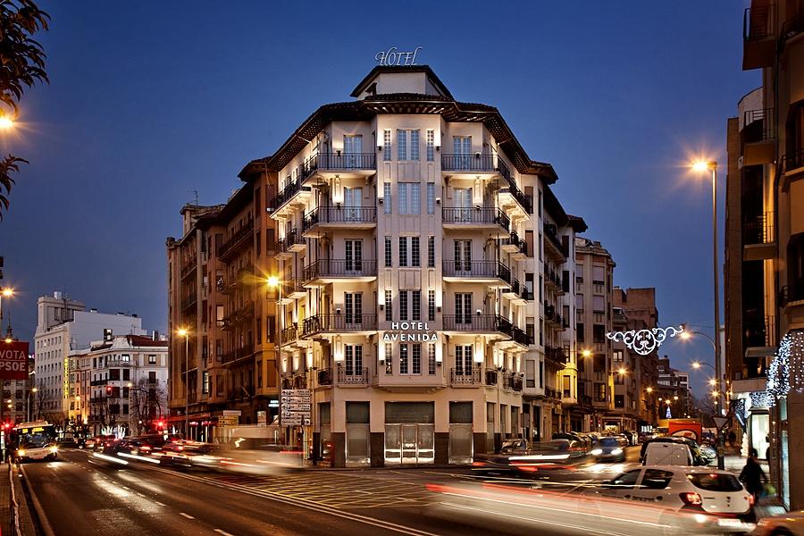 HOTEL AVENIDA - Hotel cerca del Estadio Reyno de Navarra
