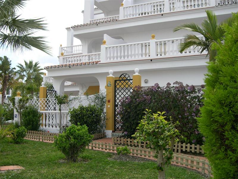 APTS. LAS ROSAS DE CAPISTRANO - Hotel cerca del Palacio de Deportes Martín Carpena