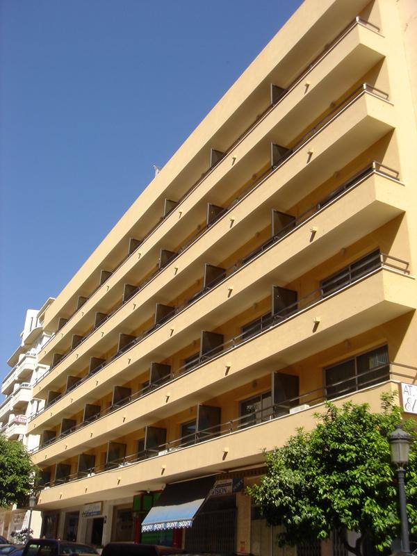 APTS. EL FARO INN - Hotel cerca del Palacio de Deportes Martín Carpena