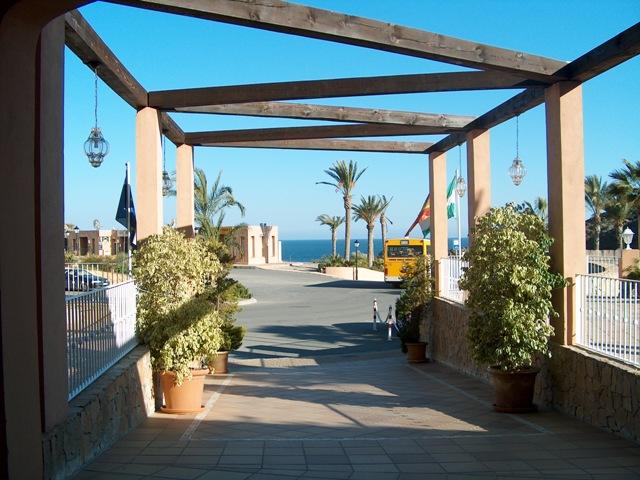 Apartamentos en mojacar for Apartamentos puerto marina