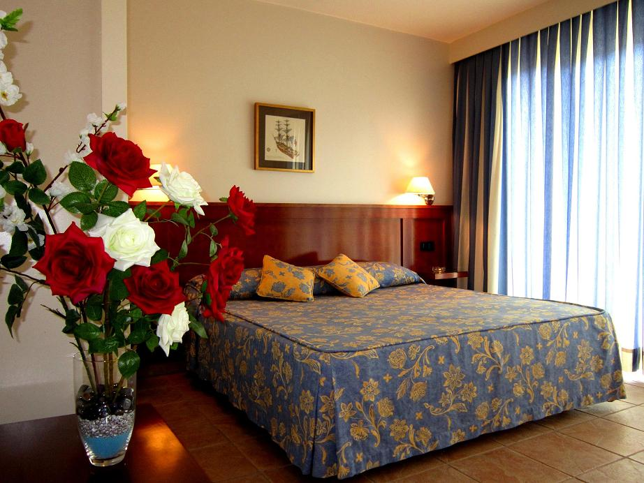 RESIDENCIA ABRIL - Hotel cerca del Club de Golf Bonalba