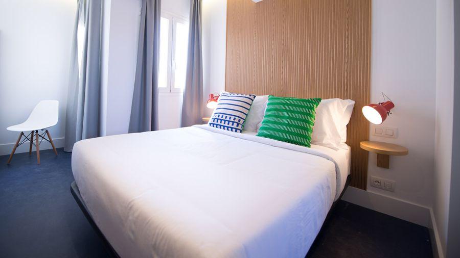 HOSTAL BUELTA - Hotel cerca del Museo Reina Sofía