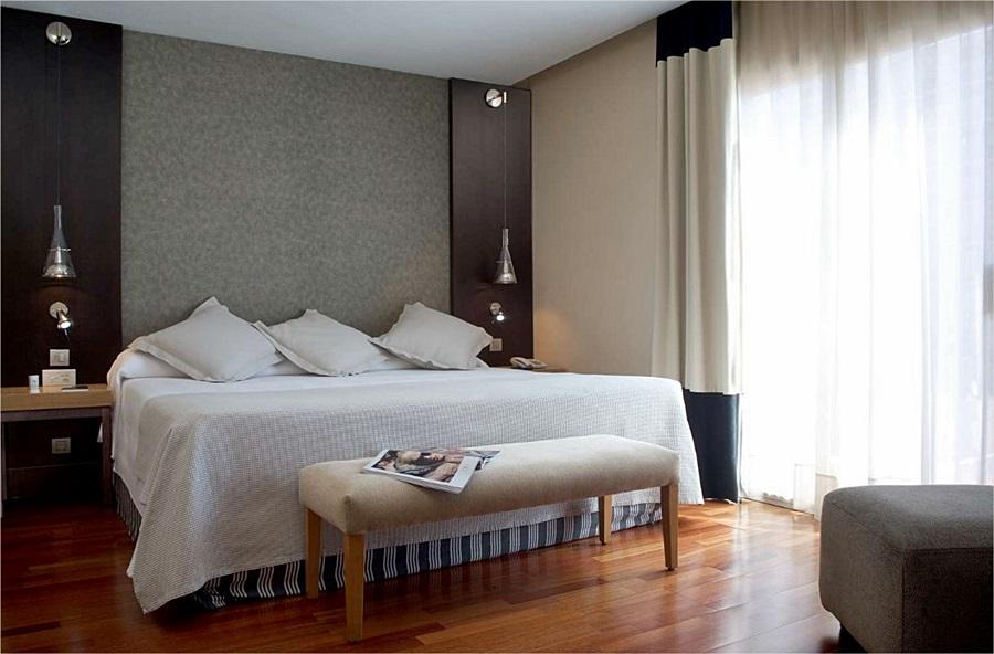 NH BARCELONA STADIUM - Hotel cerca del Bravas en el Bohemic