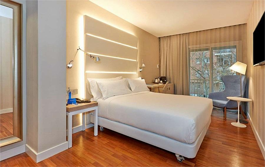 NH BARCELONA LES CORTS - Hotel cerca del Bravas en el Bohemic