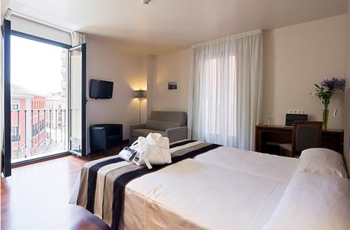 MONJAS DEL CARMEN - Hotel cerca del Estadio de Los Cármenes