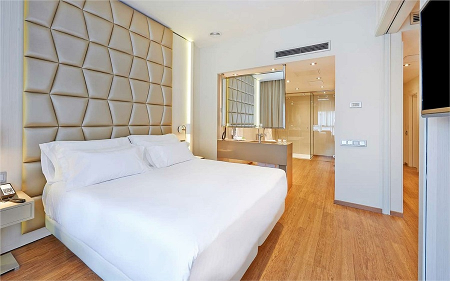 NH COLLECTION BARCELONA PODIUM - Hotel cerca del Pim Pam Burger
