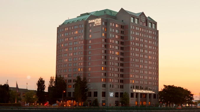 Doubletree Suites By Hilton Hotel Boston- Cambridge