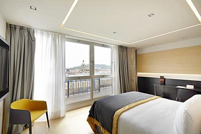 EXE PLAZA CATALUNYA - Hotel cerca del Restaurante Zarabanda